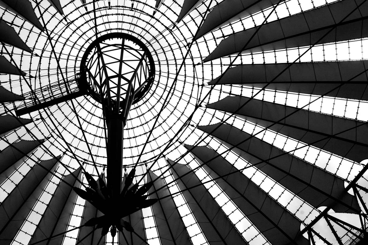 SHOPPING MALL-BERLIN_RESIZED-800.jpg